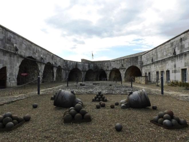 L'intérieur de la citadelle de Dinant