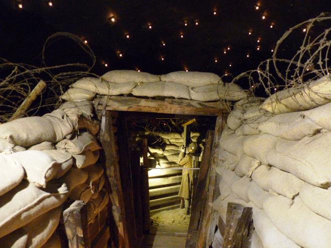 Mise en scène de la guerre dans la citadelle de Dinant
