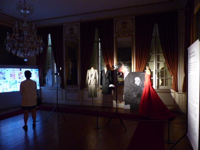 L'exposition Kleur & Elegantie du couturier Edouard Vermeulen