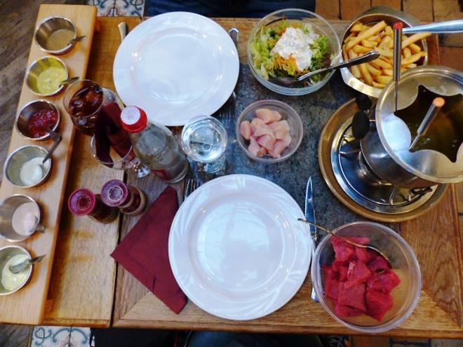 Fondue bourguignonne à volonté au restaurant Le Saint Loup de Namur