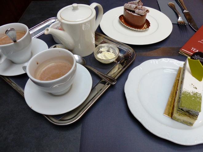 Délicieux gouter à La Maison des Desserts de Namur