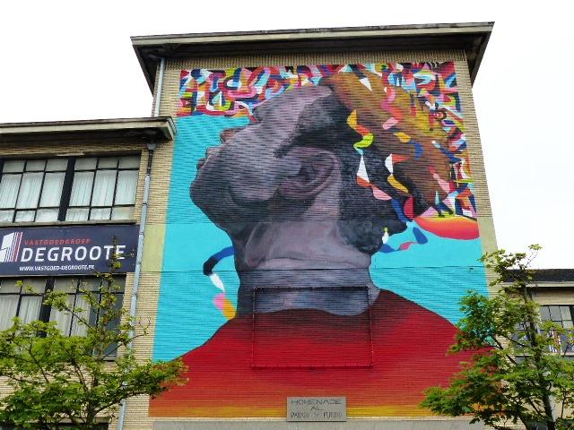 Oeuvre de street-art à Ostende dans le cadre du festival The Crystal Ship