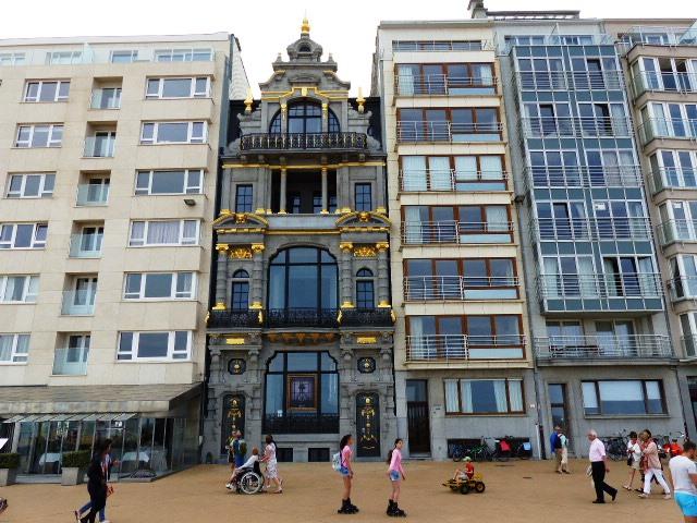 La résidence Jane (avec les fenêtres marron) où a vévu Marvin Gaye
