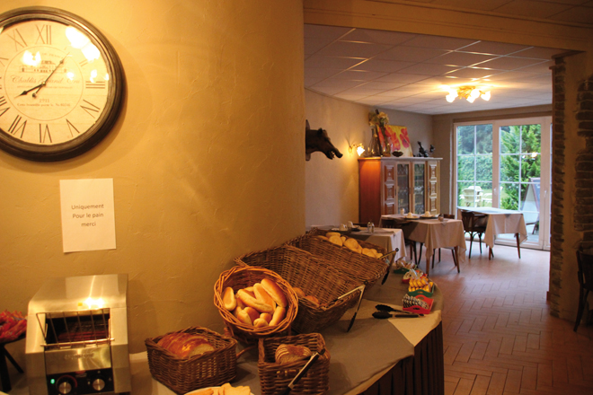 Petit dejeuner à l'hôtel le Grenier des Grottes