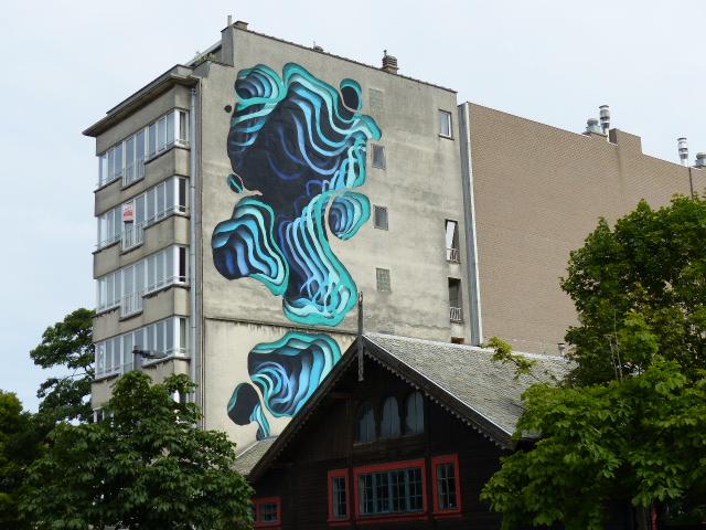 Une oeuvre de street-art toute en perspective de 1010