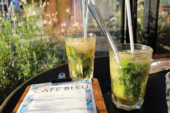 Le Café bleu un bistrot à la française au pied de la Cathédrale de Chartres
