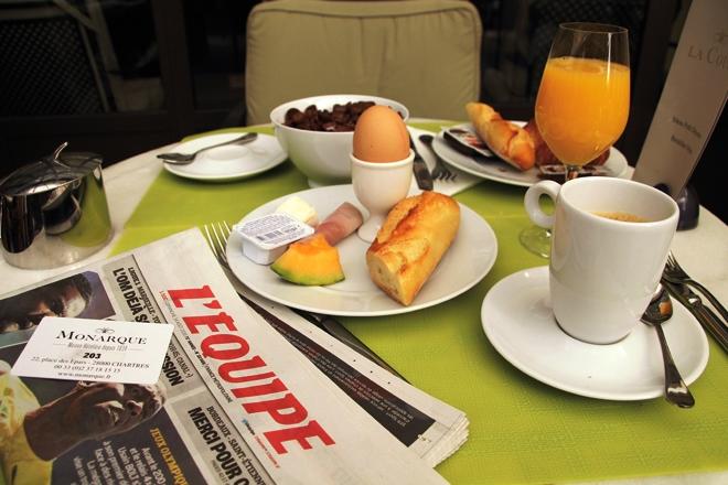 Agréable petit déjeuner au Grand Monarque de Chartres