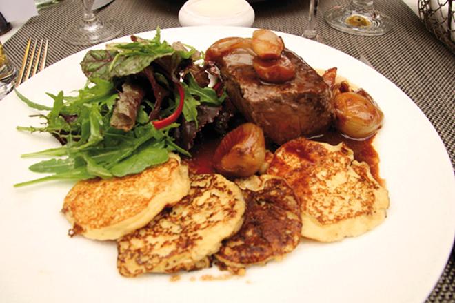 Repas à la brasserie La Cour à Chartres