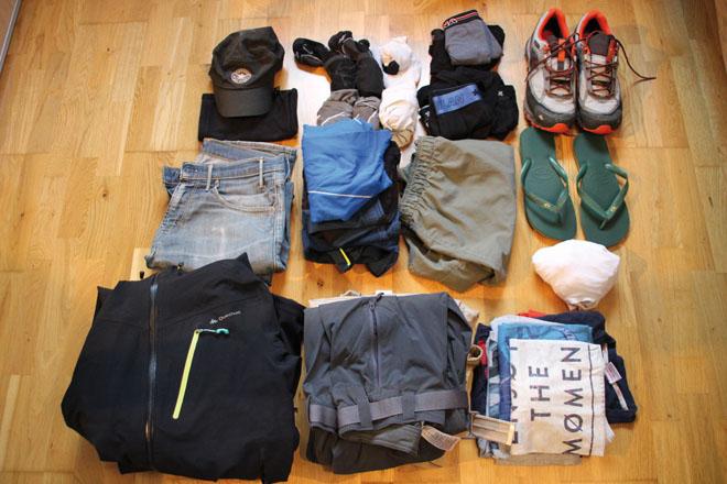 Les vêtements de Thomas pour notre Tour du Monde