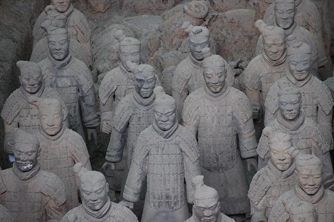 L'Armée des soldats de terre cuite de l'empereur Qin Shi Huangdi