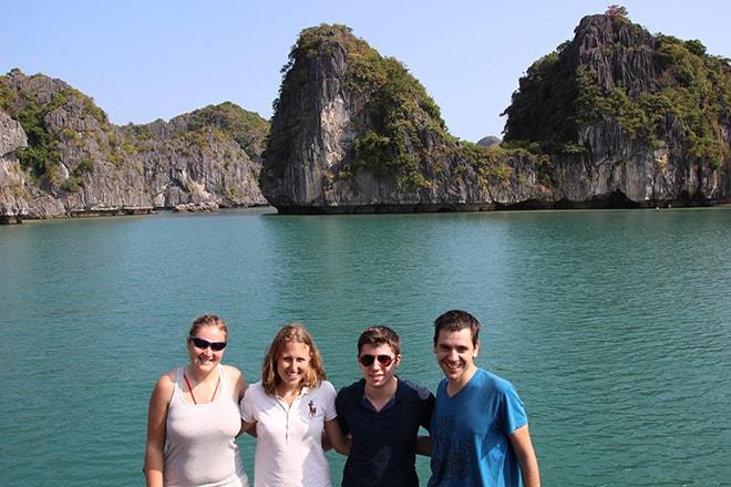 Croisière Cat Ba baie de Halong croisière dans la Baie d'Halong