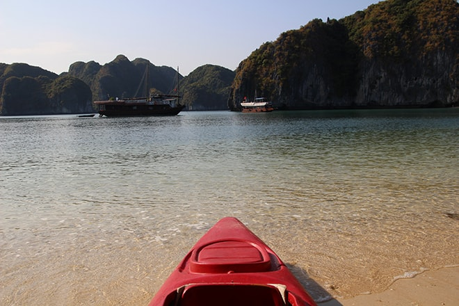 Kayak Baie de Cat BA Halong croisière dans la Baie d'Halong