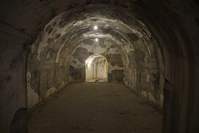 Tunnel en U Fort de Cat Ba