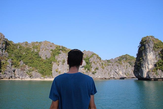 Vue Baie de Halong Cat Ba croisière dans la Baie d'Halong