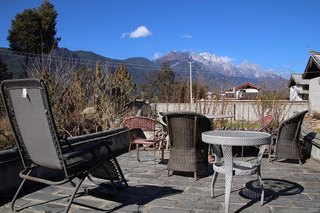 Terrasse du Baisha Holiday Resort Lijiang à Baisha