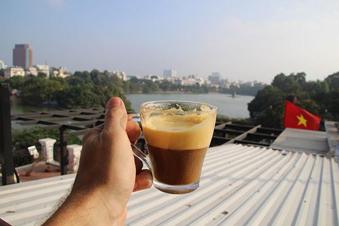 Egg Coffee au café Pho Co de Hanoi manger à Hanoi