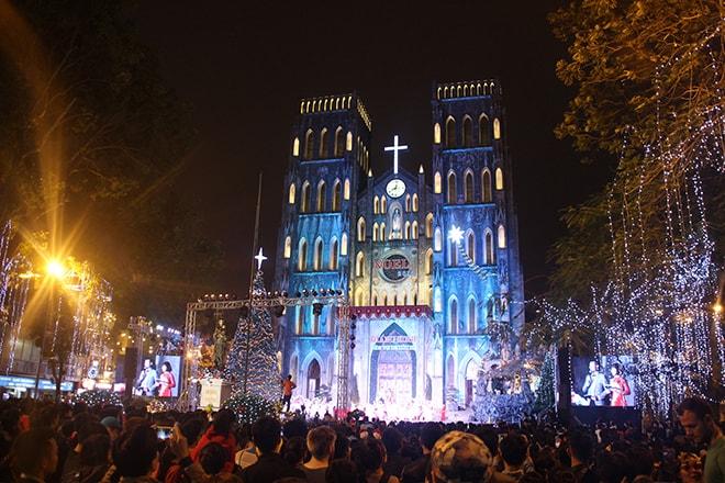 Feter Noel à Hanoi