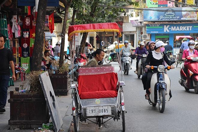Pousse-pousse pour se déplacer dans Hanoi