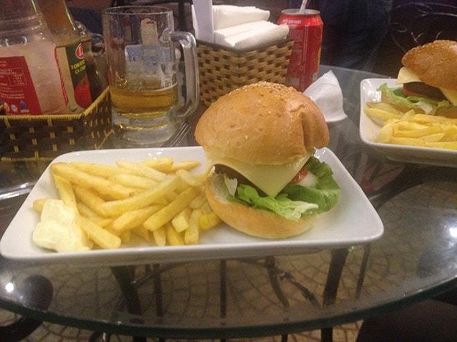 Cheeseburger Oasis Cat Ba