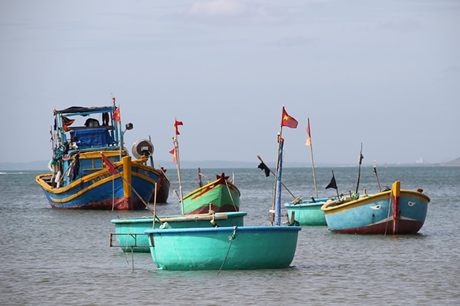 Bateaux de pêche dans le port de Mui Né