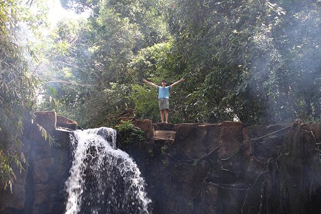 Profiter des cascades Sen Monorom Cambodge