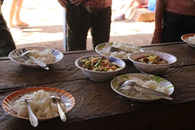 Repas Sen Monorom Cambodge