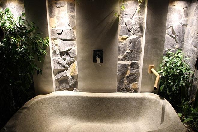 Salle de bain extérieure Pandanus Resort Mui Ne Vietnam