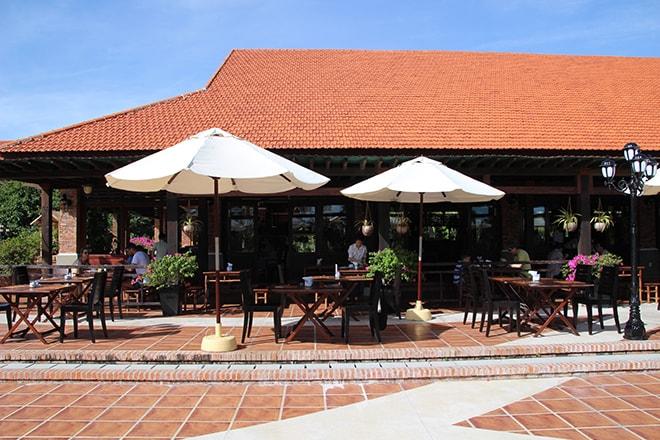 Terrasse restaurant Pandanus Resort Mui Ne Vietnam