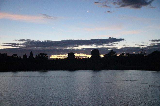 Lever de soleil sur les temples d'Angkor