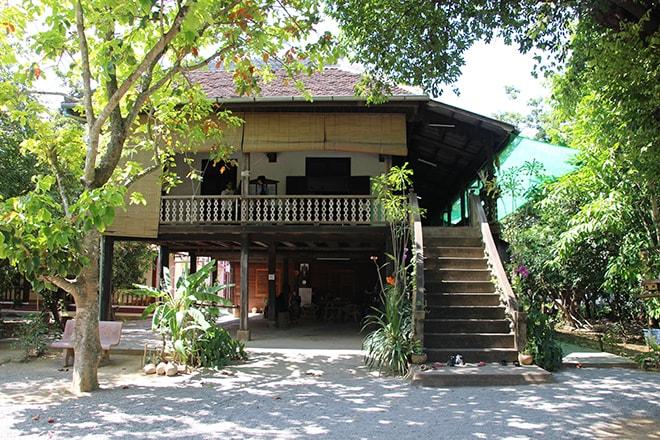 Visite d'une maison Khmer à Battambang