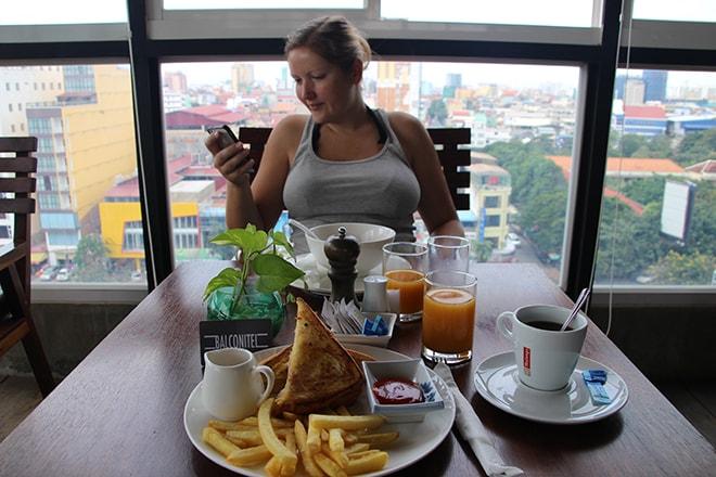 Petit déjeuner à l'hôtel Balconitel à Phnom Penh