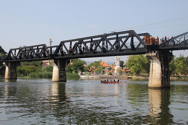 Le mythique Pont de la rivière Kwai à Kanchanaburi