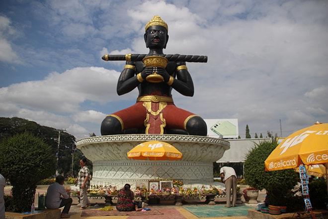 L'étonnante statue de Dambang Kranhoung