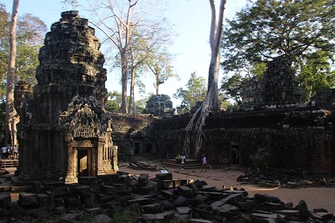 Ta Phrom dans la cité d'Angkor