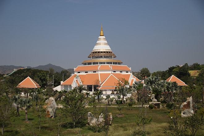 temple kanchanaburi