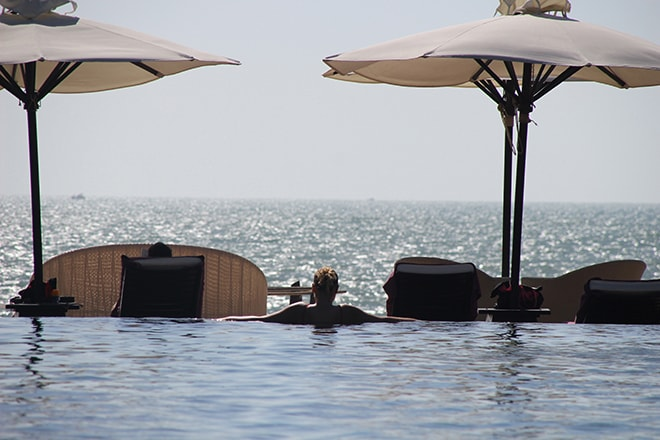 vue sur mer depuis la piscine Anantara Mui Ne Vietnam