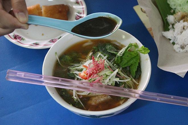 Food tour Penang soupe malaisienne