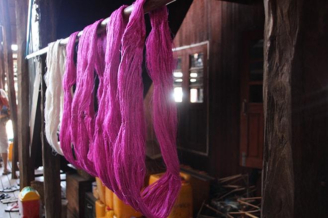 Teintures de la soie lac Inle Birmanie
