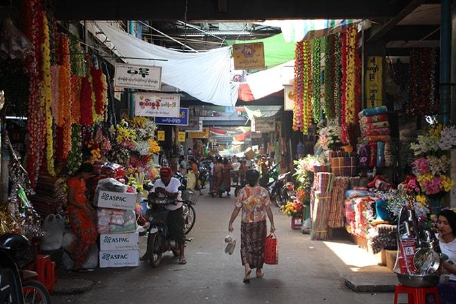 Le marché Zeigyi à Mawlamyine
