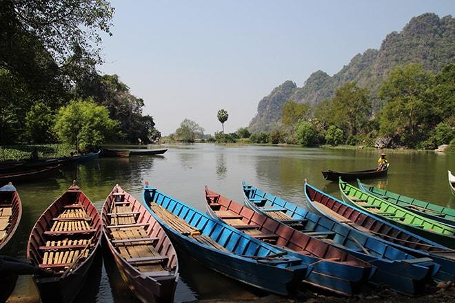 Tour en barque à la sortie de la Saddan Cave