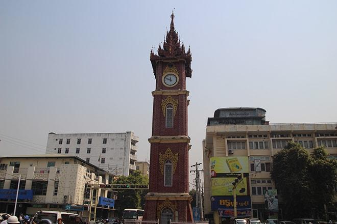 La tour de l'horloge Mandalay