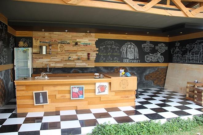 Bar Lawaka Hotel Ampana
