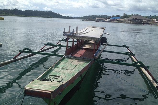 Bateau pecheur Malengue iles Togian rejoindre les îles Togian