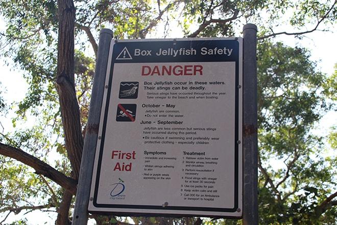 Panneau danger plage Darwin Australie