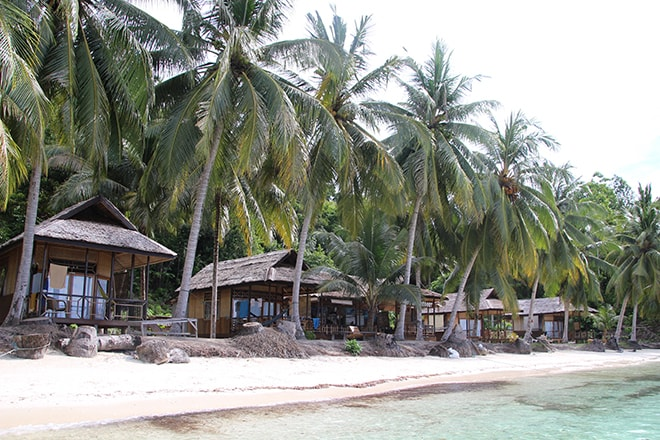 Plage et bungalows Sandy Bay Resort Malengue iles Togian