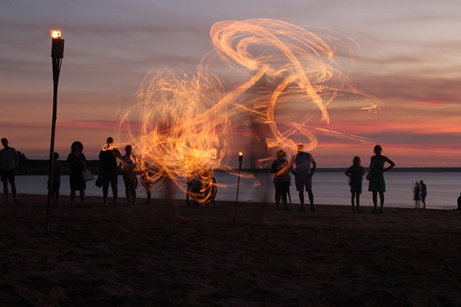 Spectacle de feu Darwin Australie