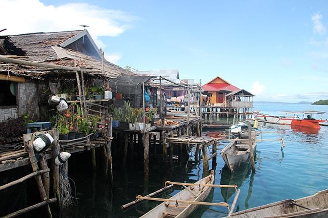 Village Bajo sur pilotis Malengue iles Togian