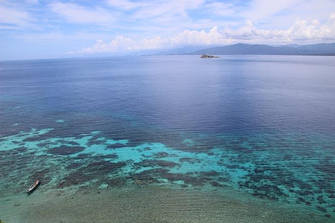 Vue sur Tumbak depuis els iles