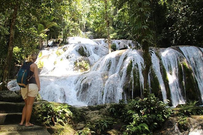 cascades tentena sulawesi
