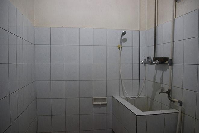 salle de bain hotel tentena victory